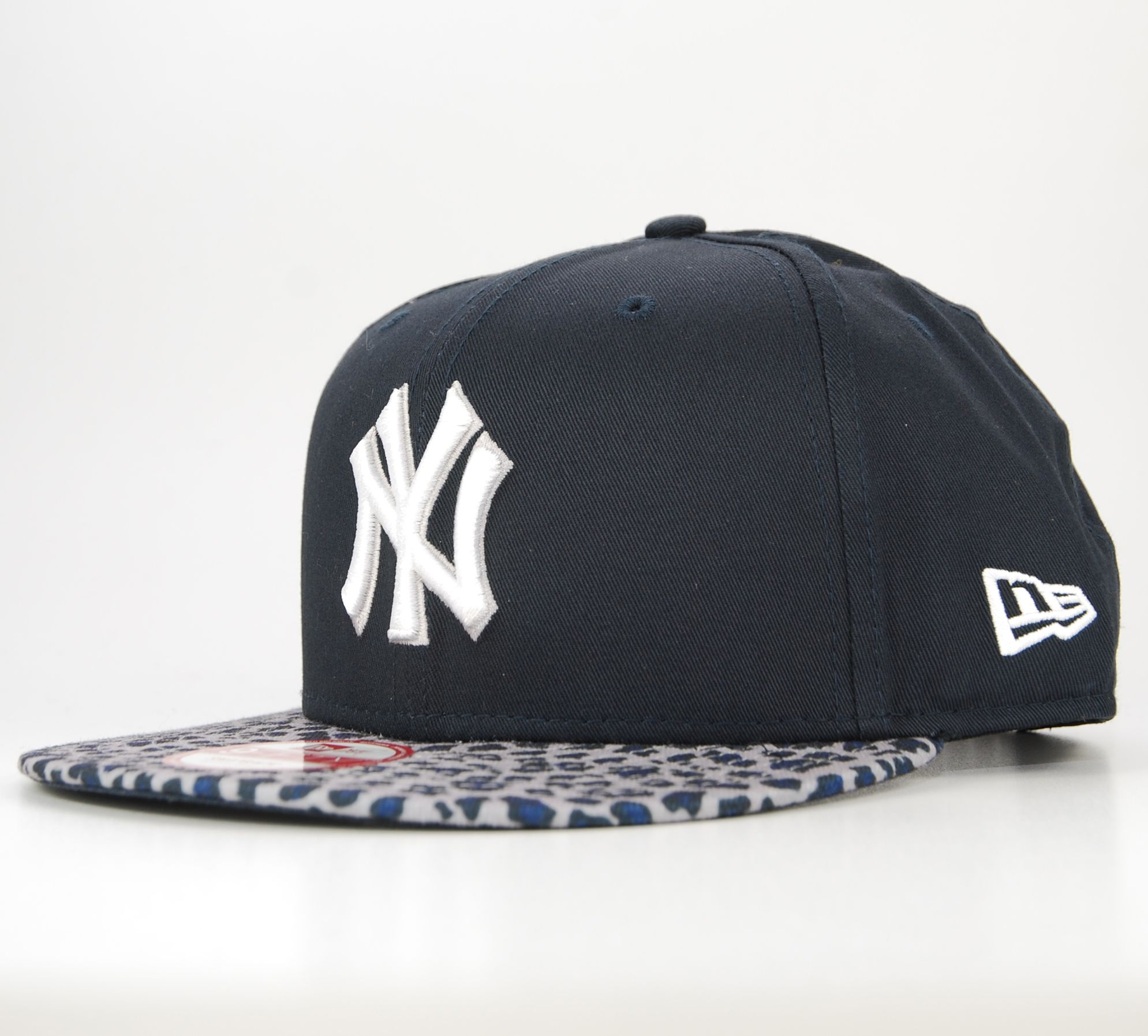 new era snapback new york yankees bleu marine animal print leopard casquette ebay. Black Bedroom Furniture Sets. Home Design Ideas